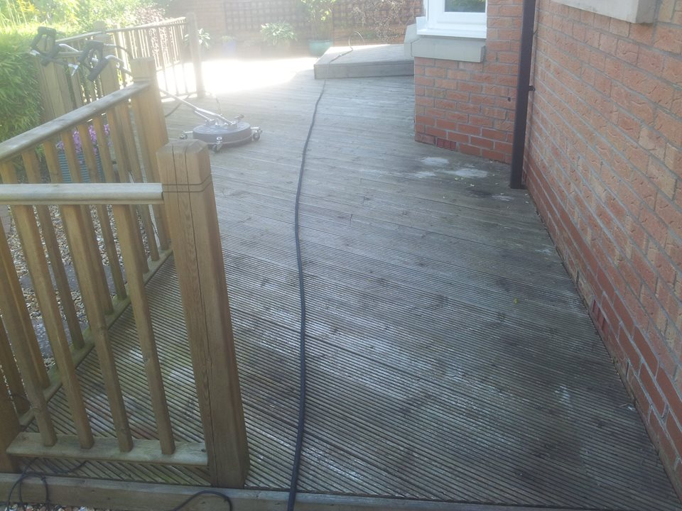 Decking Cleaning Glasgow - Hamilton