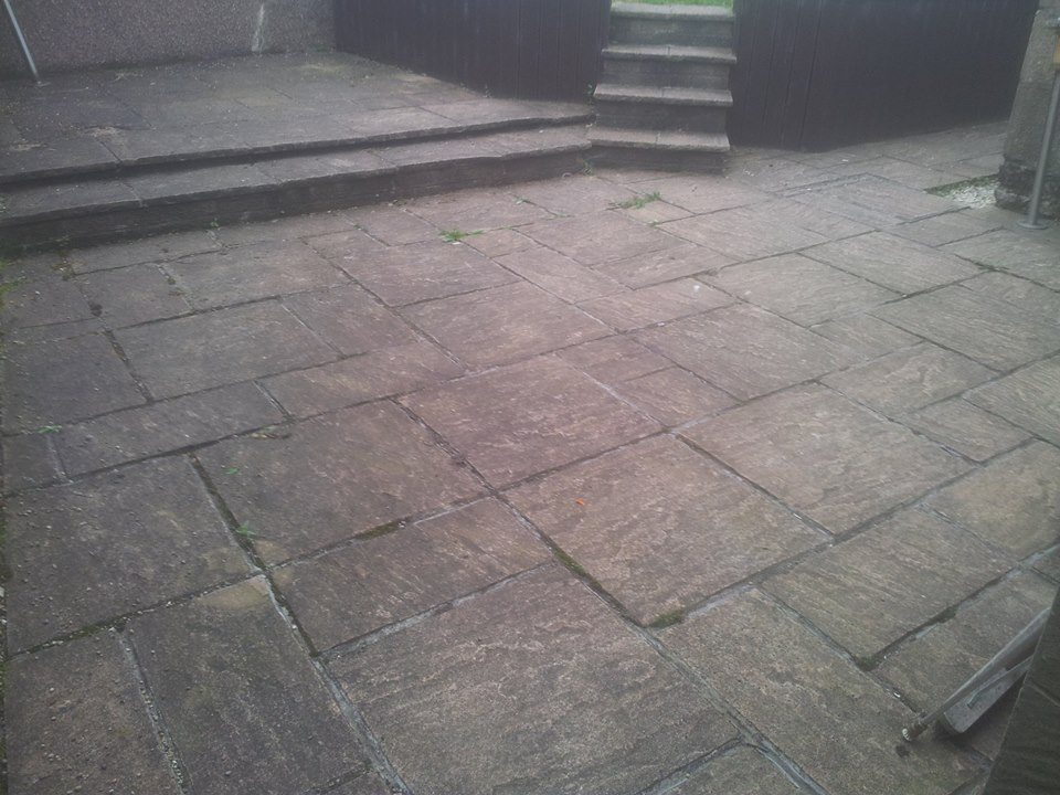 Patio Cleaning Glasgow - Barrhead Dirty