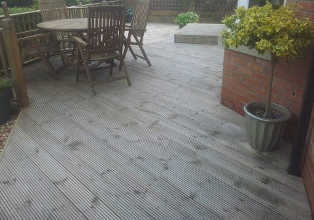 Pressure Washing Glasgow - Decking Cleaning Glasgow