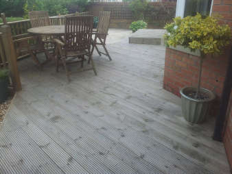 Decking Cleaning in Glasgow | Eco Driveway Cleaning